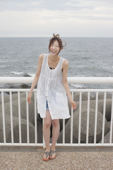 cute japanese girl sea